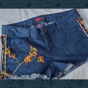 🆕️ BONGO Aztec Boho Hippie Cut off shorts Jeans